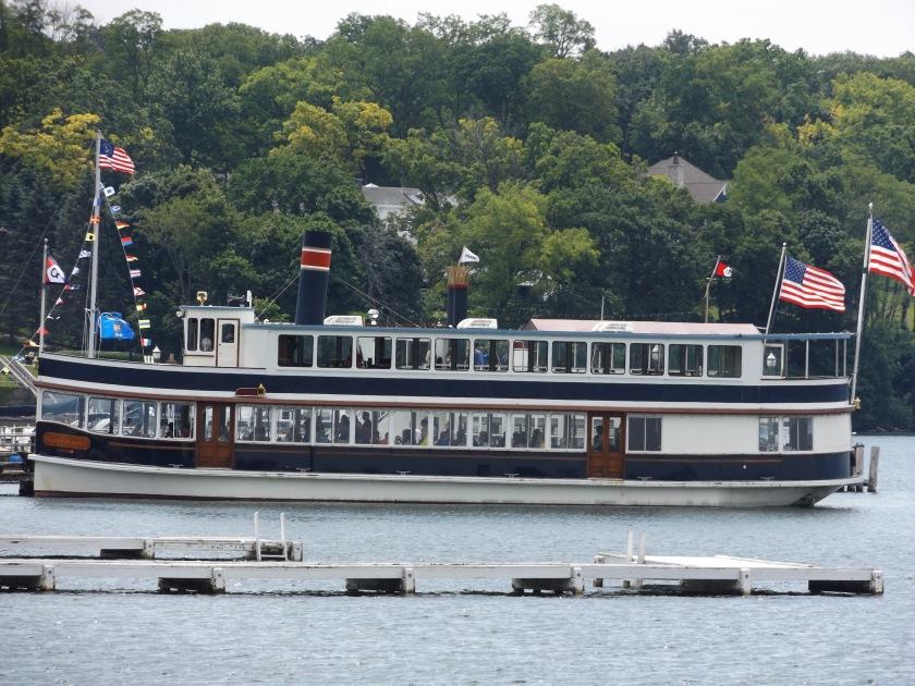 lakeboatflags.jpg